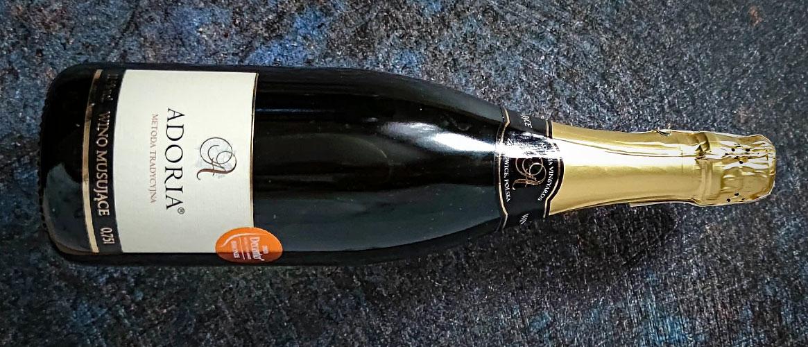Winnica Adoria Wino Musujące Metoda Tradycyjna