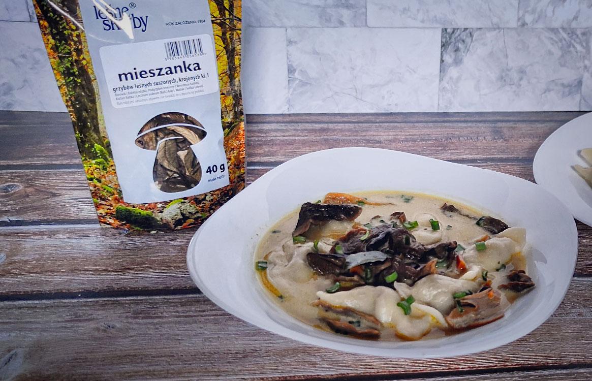 postna zupa grzybowa z pierożkami ziemniaczanymi